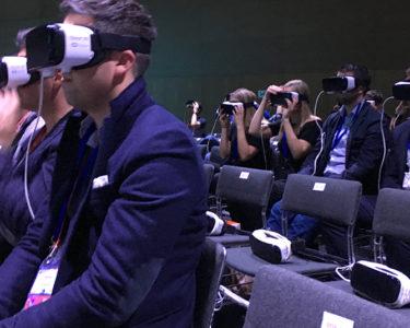 Rueda de prensa de Samsung emitida en un entorno de realidad virtual