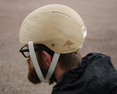 Este casco de ciclista está fabricado únicamente con elementos procedentes de la madera
