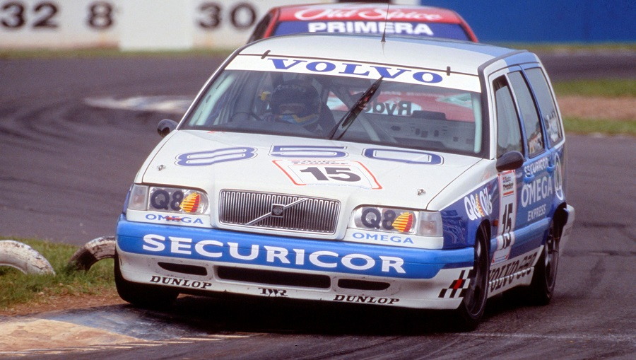 143338_The_Volvo_850_Estate_in_the_1994_BTCC