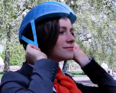 eco-helmet-casco-ciclista-de-papel-3