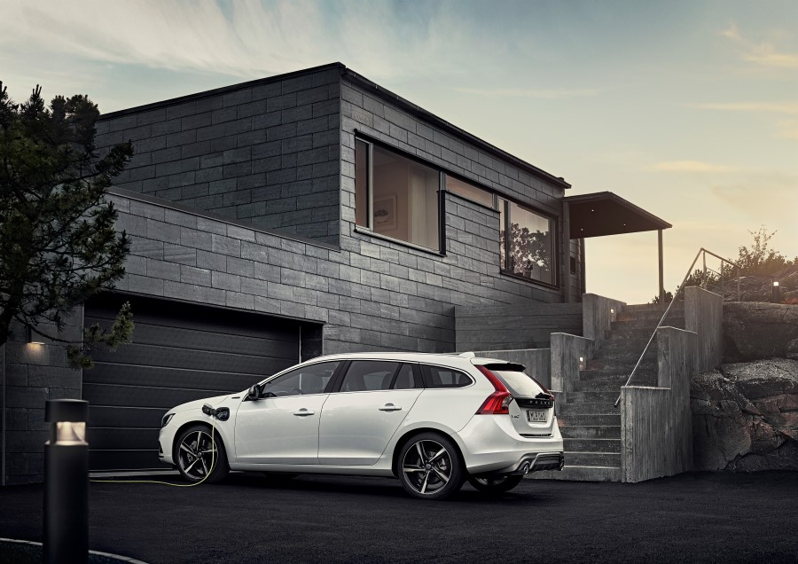 Volvo V60 Twin Engine - model year 2016