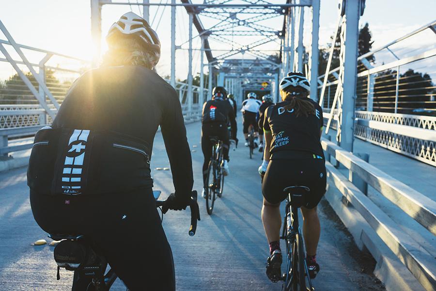 Ocho consejos de un ciclista profesional para circular en bicicleta